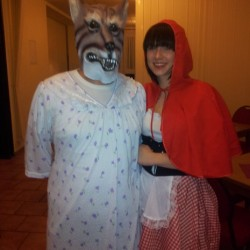 Bild 7: Benjamin Ortlepp und Lisa Schröder als Rotkäppchen und der böse Wolf