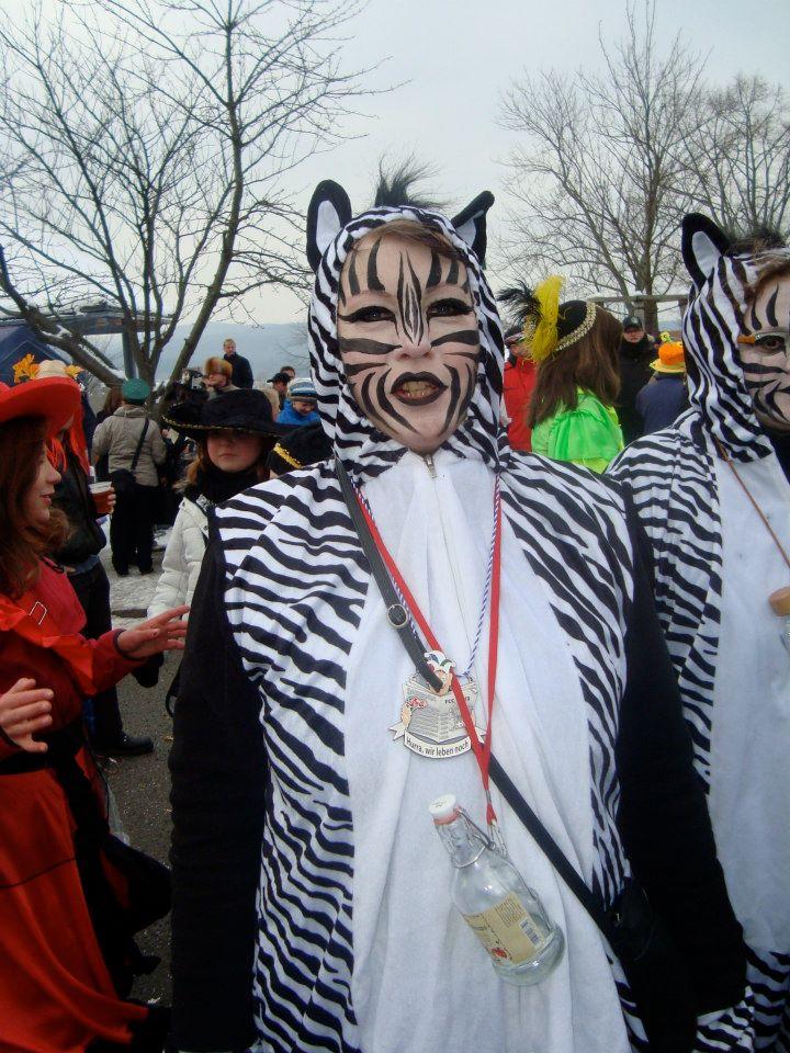 Bild 2: Christiane Kühn als Zebra