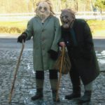 Bild 6: Gudrun Schleicher und Steffi Hill im Alter von 135 Jahren