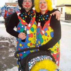 Bild 3: Familie Schleicher als lustige Clownfamilie